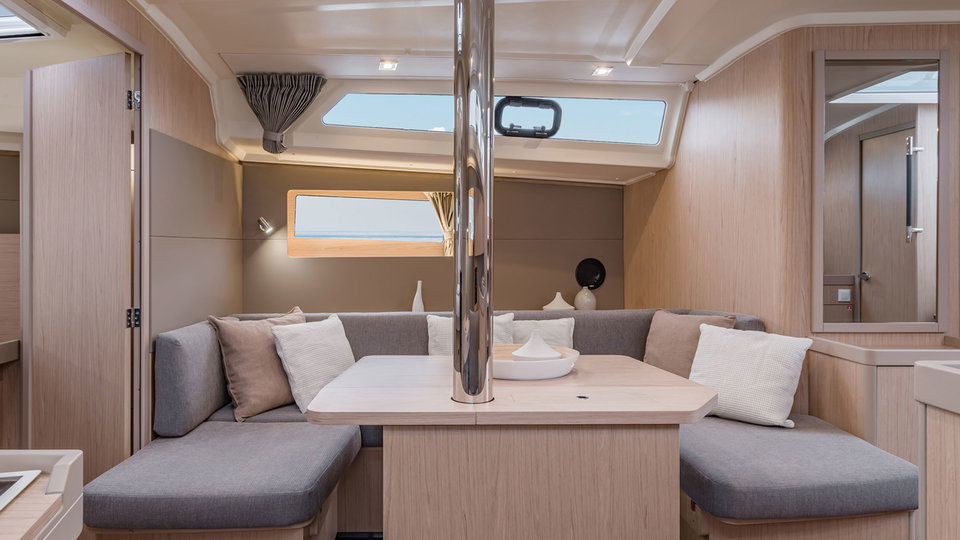 Woonruimte van Sunsail 41.1 monohull met 3 cabines