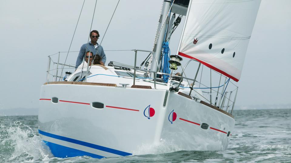 Sunsail Oceanis 40 op zee